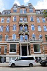 Etagenhaus im Hamburger Stadtteil Uhlenhorst, Schwanenwik - errichtet um 1895; das Gebäude steht unter Denkmalschutz.
