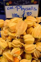 Marktstand mit frischen Früchten, Physalis auf dem Wochenmarkt in der Fussgängerzone der Möllner Landstraße im Hamburger Stadtteil Billstedt.