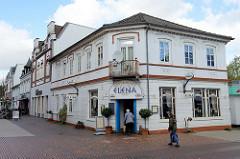 Geschäfte in der Innenstadt von Pinneberg, Restaurants und Läden in der Fußgängerzone Fahltskamp.