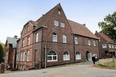 Wirtschafts- und Wohngebäude am alten Kirchdeich in Hamburg Ochsenwerder, ehemalige Gaststätte.
