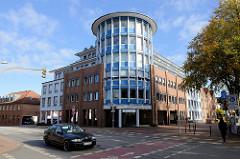 Verwaltungsgebäude an der Schauenburgerstraße, Ecke Rübekamp in der Kreisstadt Pinneberg.