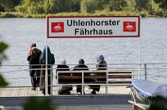 Anlegestelle Uhlenhorster Fährhaus an der Außenalster in Hamburg Uhlenhorst.