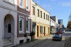 Wohnhäuser / Geschäftshäuser in der Straße Rübekamp in Pinneberg.