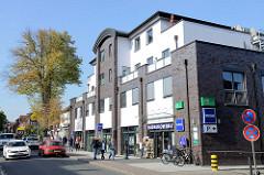 Modernes Geschäfts- und Wohnhaus in der Poststraße von Trittau.