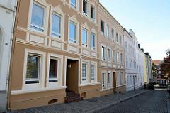Historische Mehrfamilienhäuser in der Brunsstraße im Hamburger Stadtteil Harburg, errichtet um 1903. Die denkmalgeschützten Wohnhäuser wurden von dem Architekten Hermann Wedemann entworfen.