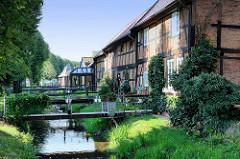 Historische Architektur / Fachwerkhäuser am Wallgraben in Boizenburg.