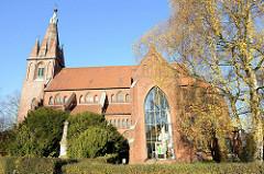 Kirche St. Nikolai in Hamburg Finkenwerder; das Gebäude  wurde 1881 im neugotischen Stil errichtet, Architekt Wagner.