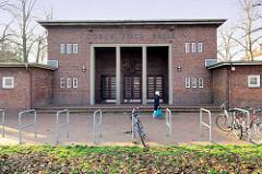 Veranstaltungshalle in Hamburg Finkenwerder; die Gorch Fock Halle wurde 1929 fertig gestellt, Architekt Fritz Schumacher.