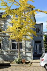 Historisches Zweifamilienhaus in der Kerschensteinerstraße von Hamburg-Harburg; das Wohnhaus wurde 1898 errichtet - Architekt Emil Schröder. Das Gebäude steht als Kulturdenkmal unter Denkmalschutz.
