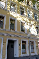Historisches  Mehrfamilienhaus in der Baererstraße im Hamburger Stadtteil Harburg, errichtet 1890. Das Gebäude steht als Baudenkmal Hamburgs unter Denkmalschutz.