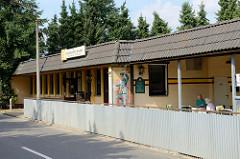 Ehemaliges Kontrollgebäude / Grenzgebäude vom Transitkontrollpunkt an der   innerdeutschen  Grenze in Boizenburg/Elbe. Die Grenzstation wird jetzt als Gaststätte genutzt.