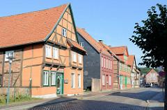 Baudenkmäler in der Klingbergstraße von Boizenburg/Elbe - denkmalgeschützte Wohnhäuser, Fachwerkhäuser unterschiedlicher Bauweise.