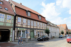 Historisches Wohn- und Geschäftshaus in der Reichenstraße von Boizenburg/Elbe; das Gebäude steht als herausragendes Baudenkmal der Stadt unter Denkmalschutz.