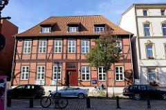 Historisches  Kanzlerhaus in der neuen Straße im Hamburger Stadtteil Harburg; das Amtshaus wurde um 1710 errichtet und auch als Amtsgericht genutzt. Das Fachwerkgebäude steht als Kulturdenkmal Hamburgs unter Denkmalschutz.
