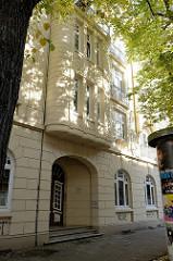 Baudenkmal in Hamburg Wilhelmsburg, Otternhaken; errichtet 1910. Das Etagenhaus steht  unter Denkmalschutz.