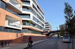 Neubauten von Büros und Wohnhäusern an der Großen Elbstraße / Neumühlen im Hamburger Stadtteil Ottensen.