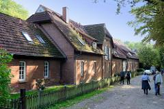 Historische Wirtschaftsgebäude am Mühlenteich in Trittau.