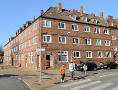 Siedlungsbau in der Bennittstraße von Hamburg  Finkenwerder, die Blockbebauung wurde 1927 fertig gestellt. Die unter Denkmalschutz stehenden Wohnhäuser wurden von den Architekten Klophaus & Schoch entworfen.