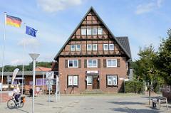 Hotelgebäude am Stadthafen von Boizenburg/Elbe das Gebäude befindet sich am Ort des Hafenbahnhofs.