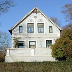 Jugendstil-Wohnhaus im Finkenwerder Landscheideweg - Stadtteil Hamburg Finkenwerder.