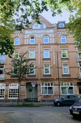 Historisches historisches Etagenhaus in der Vermannstraße von Hamburg Wilhelmsburg, errichtet 1907. Das Gebäude steht als Hamburger Baudenkmal unter Denkmalschutz.