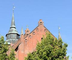 Blick zur evangelisch-lutherischen Stadtkirche St. Marien in Boizenburg/Elbe - überwiegend gotische Pfarrkirche.