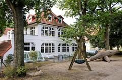 Architektur im Ostseebad Boltenhagen, Spielplatz am Strandweg.