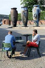 Roskilde Vasen - Künstler Peter Brandes; Höhe ca. 5 m.