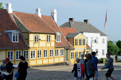 Historische Bebauung - Wohnhäuser, errichtet um 1850 in der Skolegade von Roskilde.