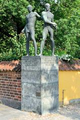 Denkmal, Bronzeskulpturen  von Hroar und Helge, zwei legendären Königen, die im 6. Jahrhundert Dänemark von Roskilde aus beherrschten -  Bildhauer Johan Galster - 1939.