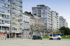 Historsche und moderne Wohnhäuse in der Innenstadt von Lüttich / Liège.