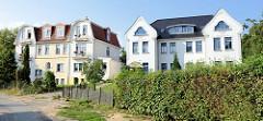 Jugendstil Doppelvillen am Karpfenteich im Ostseebad Boltenhagen