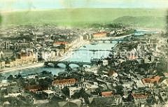 Historische kolorierte Luftansicht von Lüttich / Liège; Blick auf die Maas und der vier Brücken über den Fluss.