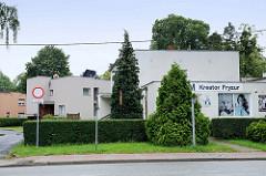 Kubische  Gebäude - Architektur in   Groß Strehlitz / Strzelce Opolskie.