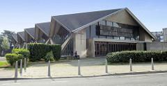 Moderne Architektur der Katholischen Peter und Paul Kirche in Lüttich / Liège; eingeweiht 1972, Entwurf  Jules Mozin.