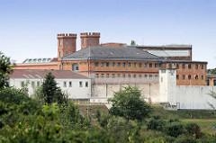Justizvollzugsanstalt Bützow, älteste und berüchtigtste Haftanstalt  in Deutschland. 1839 als Zuchthaus Dreibergen eröffnet .