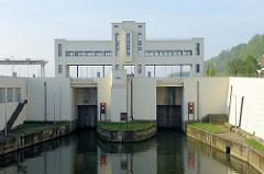Schleusenanlage bei Lanaye, Belgien - Albert Kanal.