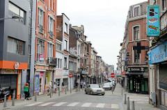 Geschäftsstraße Rue Saint Gilles in Lüttich / Liège.