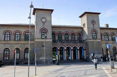Ältester Bahnhof Dänemarks - Empfangsgebäude in Roskilde, errichtet 1847