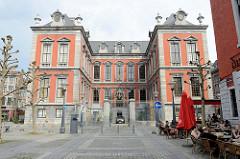 Rathaus, Hôtel de Ville von Lüttich / Liège - Barockarchitektur, errichtet 1718.