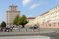 Platz des Friedens in Wendorf, Ortsteil von Wismar - sozialistische Architektur  aus dem Jahre 1954.
