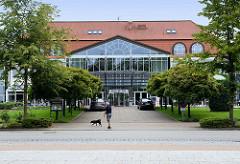 Moderner Neubau vom Seehotel Grossherzog von Mecklenburg in Boltenhagen, eröffnet 1995.
