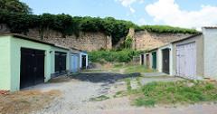 Garagen / Reihen- Unterstellplätze für Kfz  an der Stadtmauer in Gartz/Oder.