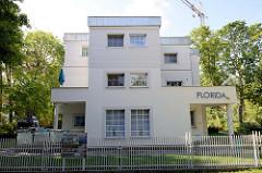 Villa an der Strandpromenade von Boltenhagen, Architektur im Bauhausstil - Haus Florida / Ferienwohnung.