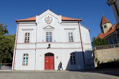 Bilder aus Krumau an der Moldau - im Hintergrund der Turm der Synagoge.