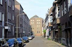 Blick zur historischen Industriearchitektur der Dampfbierbrauerei Bosch in Maastricht.