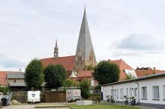 Stiftskirche St. Maria, St. Johannes und St. Elisabeth in Bützow; Baustil norddeutschen Backsteingotik.