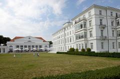 Grand Hotel Heiligendamm, lks. das ehem. Kurhaus -  errichtet 1816 - Baumeister Severin.