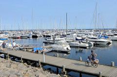 Marina/Sportboothafen im Ostseebad Kühlungsborn, die Anlage wurde 2005 eröffnet und verfügt über ca. 400 Liegeplätze.