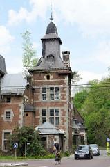 Schloss / Villa bei der Zeche Hasard de Cheratte in Visé, Belgien - historische Architektur die unter Denkmalschutz gestellt wurde.